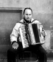 A street musician with accordion in Bremen